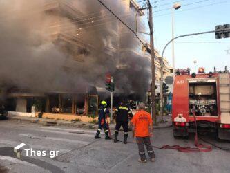 Καλαμαριά: Μεγάλη φωτιά σε ταβέρνα – Στο σημείο πυροσβεστικές δυνάμεις (ΒΙΝΤΕΟ & ΦΩΤΟ)
