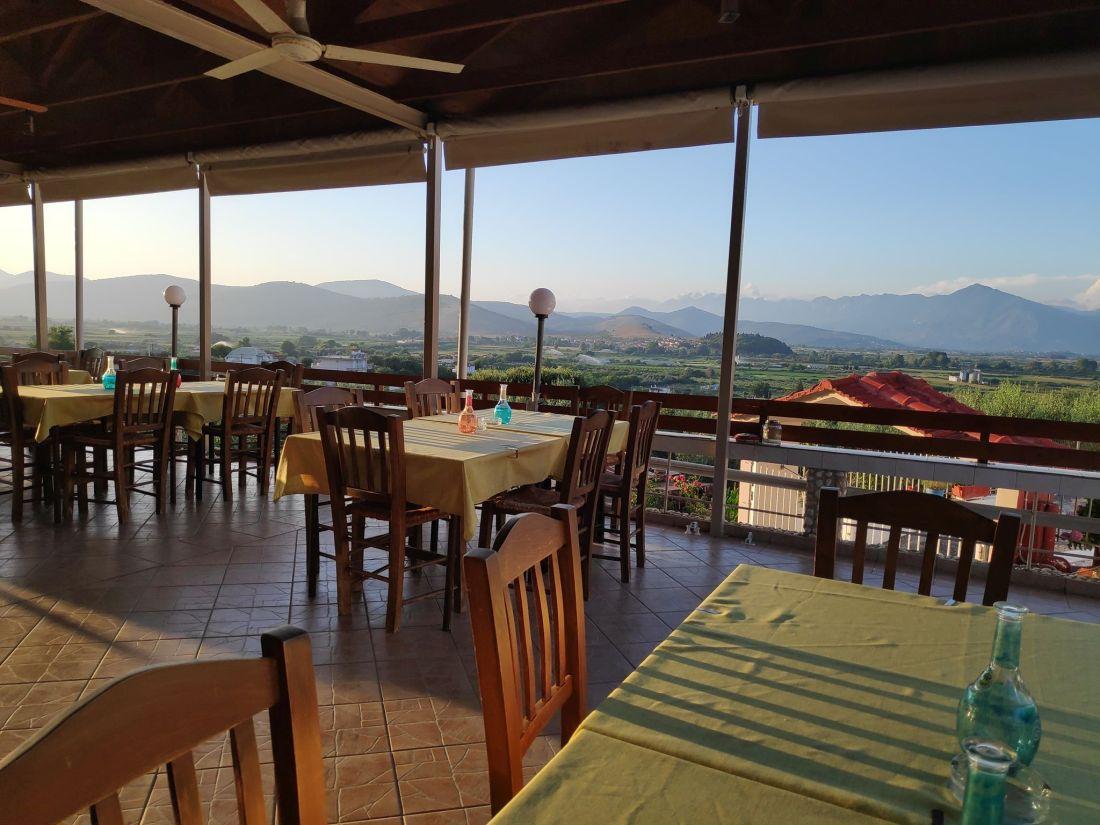 Καλλί - Θέα Καφενείο Ταβέρνα Τσουκνίδα Πρέβεζας