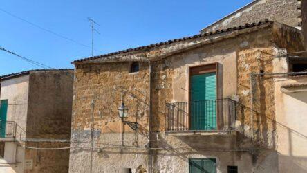 Σικελία: Εγκαταλελειμμένα σπίτια σε χωριά πωλούνται προς 1 ευρώ