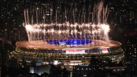 Ολυμπιακοί Αγώνες: Εντυπωσιακή η τελετή λήξης – Εσβησε η φλόγα στο Τόκιο
