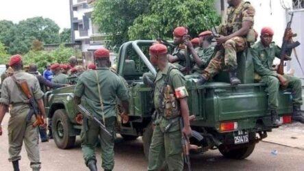 Γουινέα: Οι πραξικοπηματίες καλούν σε συνάντηση τους υπουργούς της κυβέρνησης