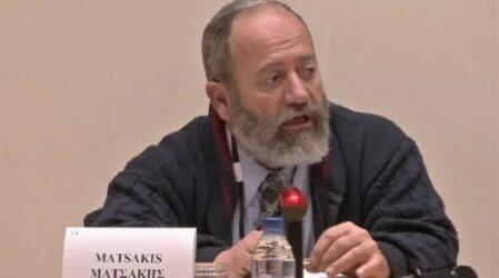 Κύπρος: Ιατροδικαστής «σημαία» των αντιεμβολιαστών έγινε στόχος τους – Αποφάσισε να εμβολιαστεί