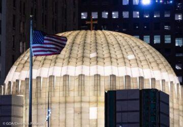 """Νέα Υόρκη: Φωταγωγήθηκε μετά από 20 χρόνια ο Αγιος Νικόλαος στο """"Σημείο Μηδέν"""""""