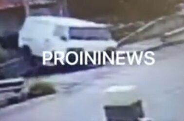 Καβάλα: Το λευκό φορτηγό που βγήκε από τον δρόμο και προσγειώθηκε σε στέγη σπιτιού (ΒΙΝΤΕΟ)