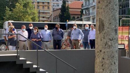 Θεσσαλονίκη: Αυτοψία Μενδώνη και Καραμανλή στον σταθμό του Μετρό στην Αγία Σοφίας