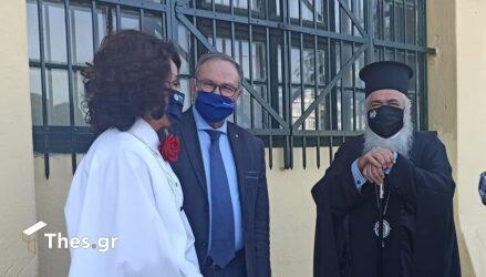 """Μητροπολίτης Βαρνάβας σε Πατουλίδου: """"Είσαι μανεκέν, είσαι Καρυάτις"""""""