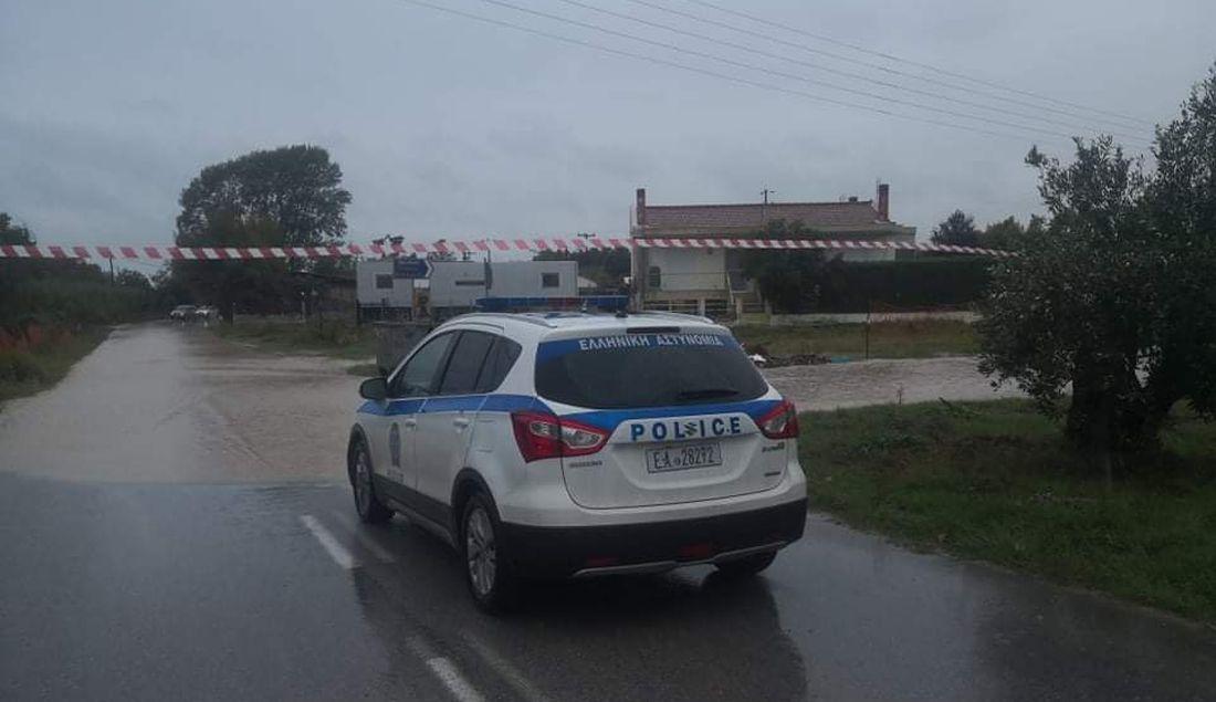 """Κακοκαιρία """"Μπάλλος"""": Οι δρόμοι που παραμένουν κλειστοί σε Θεσσαλονίκη και Κεντρική Μακεδονία"""