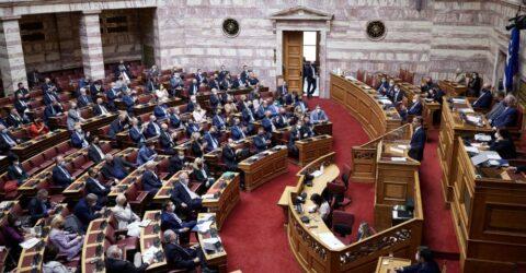 Υπερψηφίστηκε στη Βουλή η αμυντική συμφωνία της Ελλάδας με τη Γαλλία