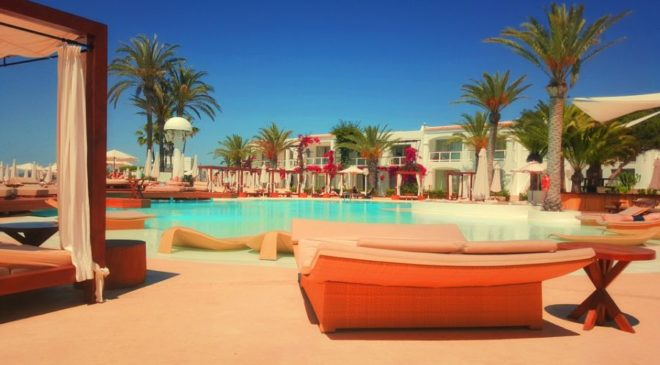 """Τουρισμός: Μόνο το 60% των ξενοδοχείων κατάφερε να κάνει """"restart"""""""